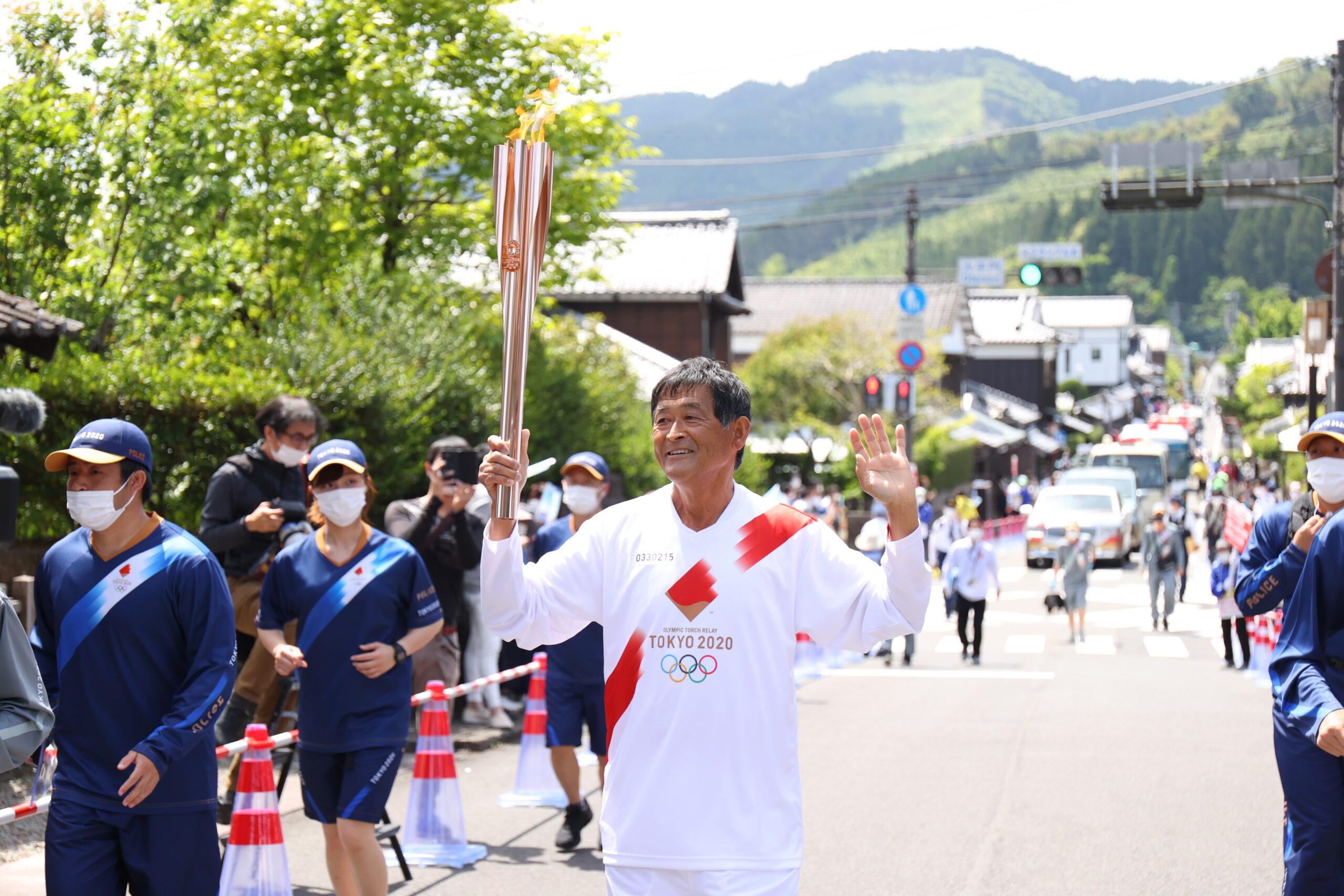 マラソン界のレジェンド谷口浩美氏、宗兄弟が宮崎で聖火リレー