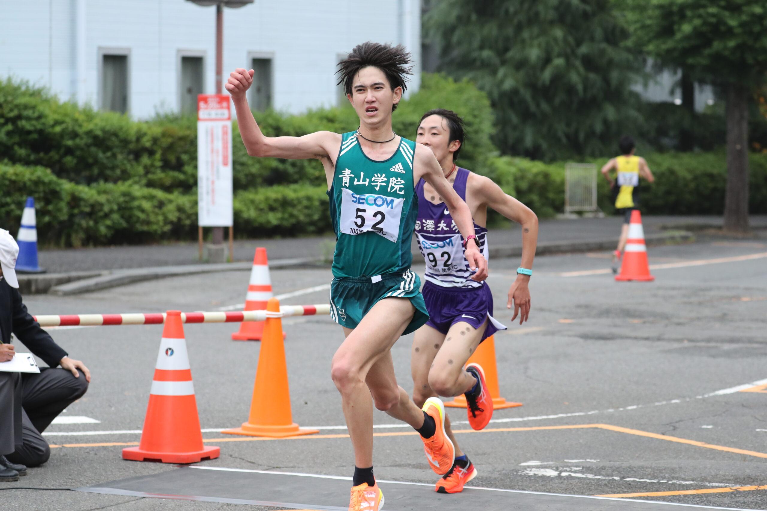 2部ハーフは青学大の西久保遼が初優勝!「ライバル校に負けるわけにはいかないと思った」/関東IC