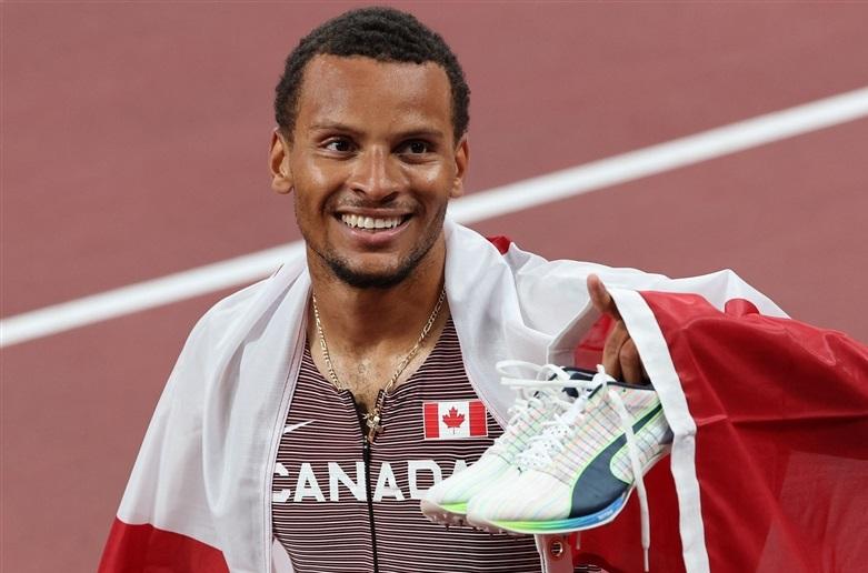 200mデグラス悲願の世界一!世界大会7個目で初の金メダル カナダ勢93年ぶり