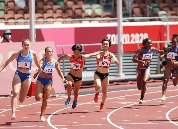 2大会ぶり五輪の女子4継が健闘!日本歴代2位、五輪最高の43秒44の好走